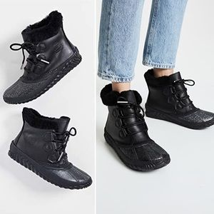 Sorel Out N About Black Shearling Waterproof Boot